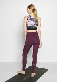 South Beach - INSERT LEGGING - Medias - plum - 2
