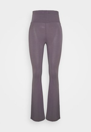 YOGA FLARES - Tracksuit bottoms - smoky grey
