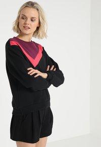 South Beach - COLOURBLOCK ASYMMETRIC - Sweater - black - 0