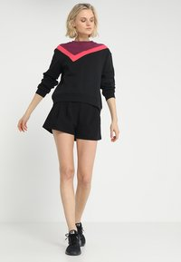 South Beach - COLOURBLOCK ASYMMETRIC - Sweater - black - 1