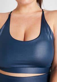 South Beach - CURVE WETLOOK STRAPPY BACK BRALET - Sports bra - blue - 4