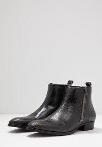 Society - YONDER ZIP BOOT - Kotníkové boty - black - 2