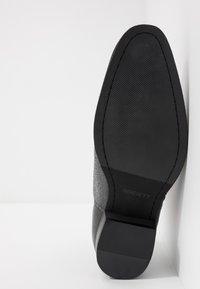 Society - YONDER ZIP BOOT - Kotníkové boty - black - 4