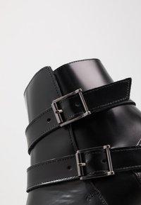 Society - YUPPY ZIP BOOT - Kotníkové boty - black polido - 5