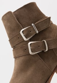 Society - YUPPY - Cowboy/biker ankle boot - sand - 5