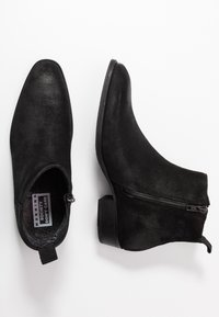 Society - YONDER - Classic ankle boots - black metallic - 1