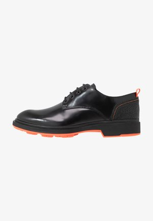 CHARLIE 4 EYE DERBY - Šněrovací boty - black polido