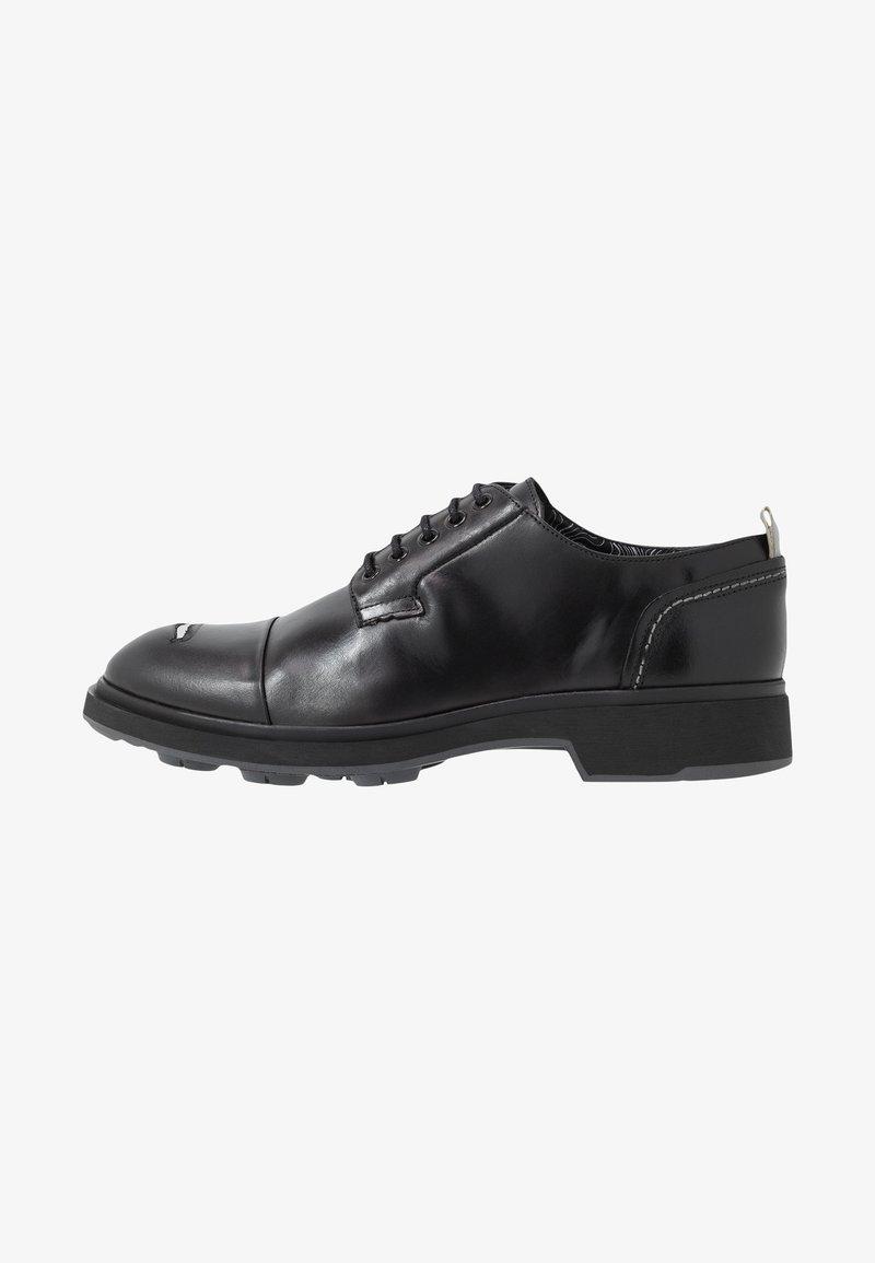 Society - CARLOS RIPPED TOECAP - Šněrovací boty - black toronado