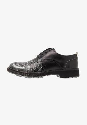 CHARLIE - Šněrovací boty - black