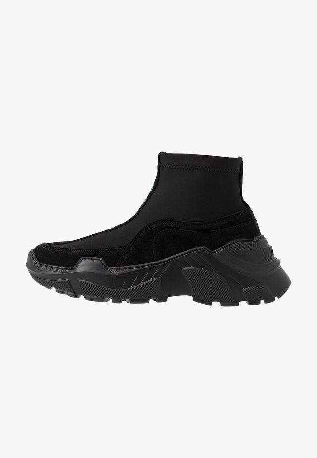 CYBER - Sneaker high - black