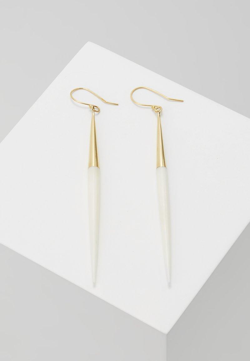 Soko - CAPPED QUILL DANGLE EARRINGS - Korvakorut - gold-coloured/white