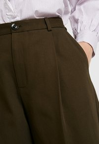Soeur - FELIX - Pantalon classique - kaki - 3