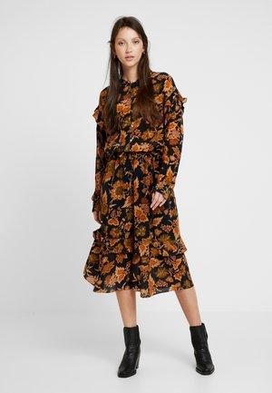 HEIDI - Shirt dress - orange