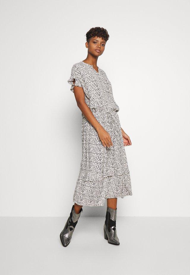 FLAMENCO - Denní šaty - noir