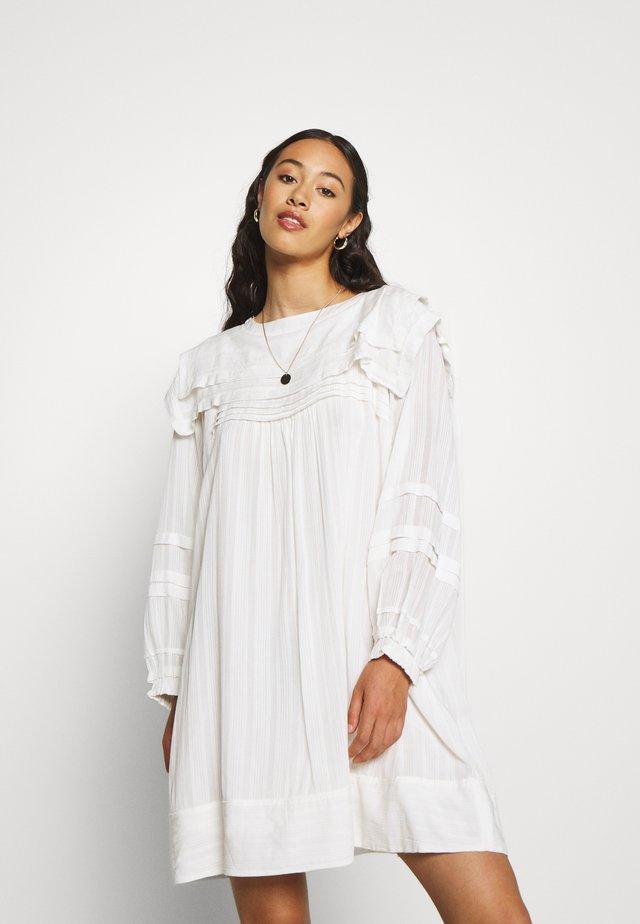 JOSEPHINE - Day dress - blanc