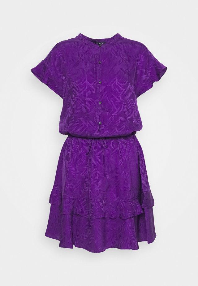 JIULIA - Košilové šaty - violet