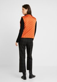 Soeur - GALINOU - Smanicato - orange - 2