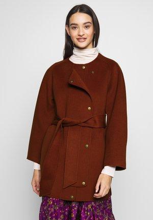 JANE - Zimní kabát - cannelle