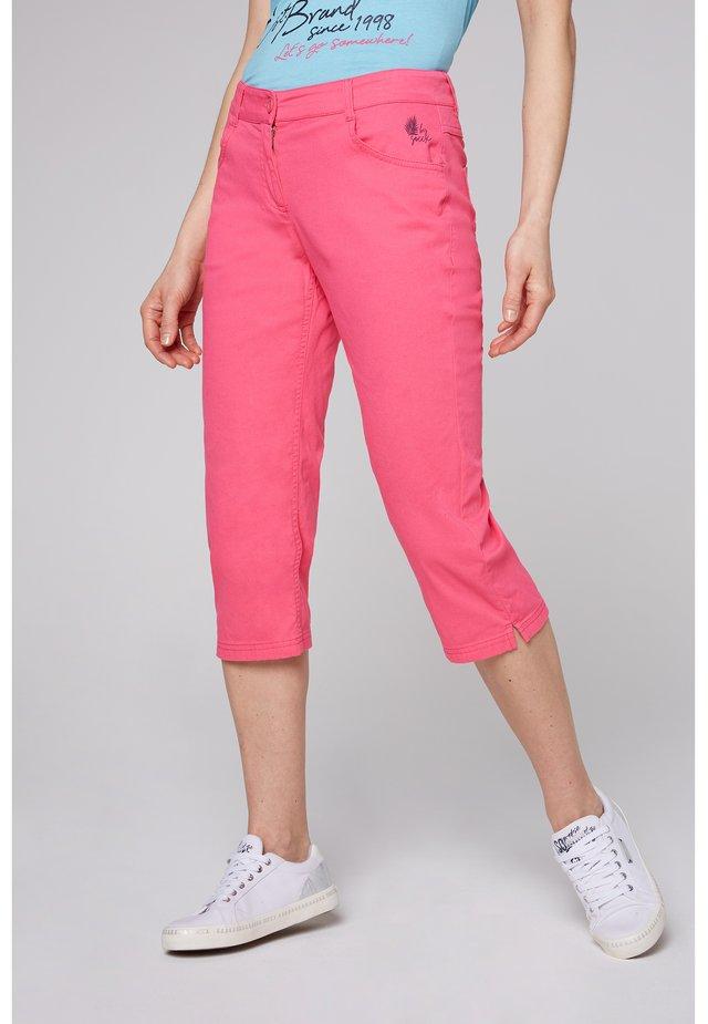 Trousers - oriental pink