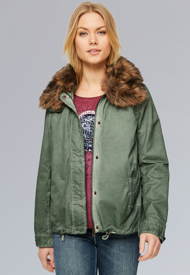 Winter jacket - smoked green