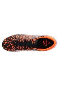 sondico - Chaussures de foot à crampons - black/orange - 1