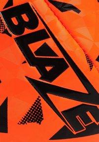 sondico - Chaussures de foot à crampons - black/orange - 5