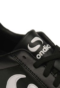 sondico - Chaussures de foot en salle - black/white - 4