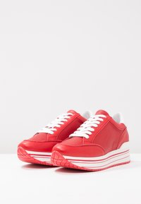 Steven New York by SPM - LEANRUN - Trainers - red white - 4