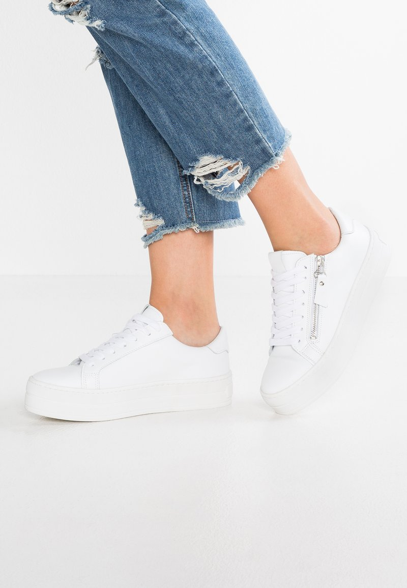 SPM - POMME - Sneaker low - white