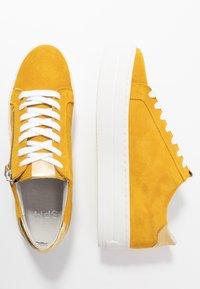 Steven New York by SPM - POMME - Sneakersy niskie - yellow - 3