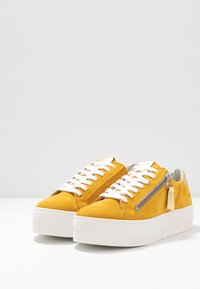 Steven New York by SPM - POMME - Sneakersy niskie - yellow - 4