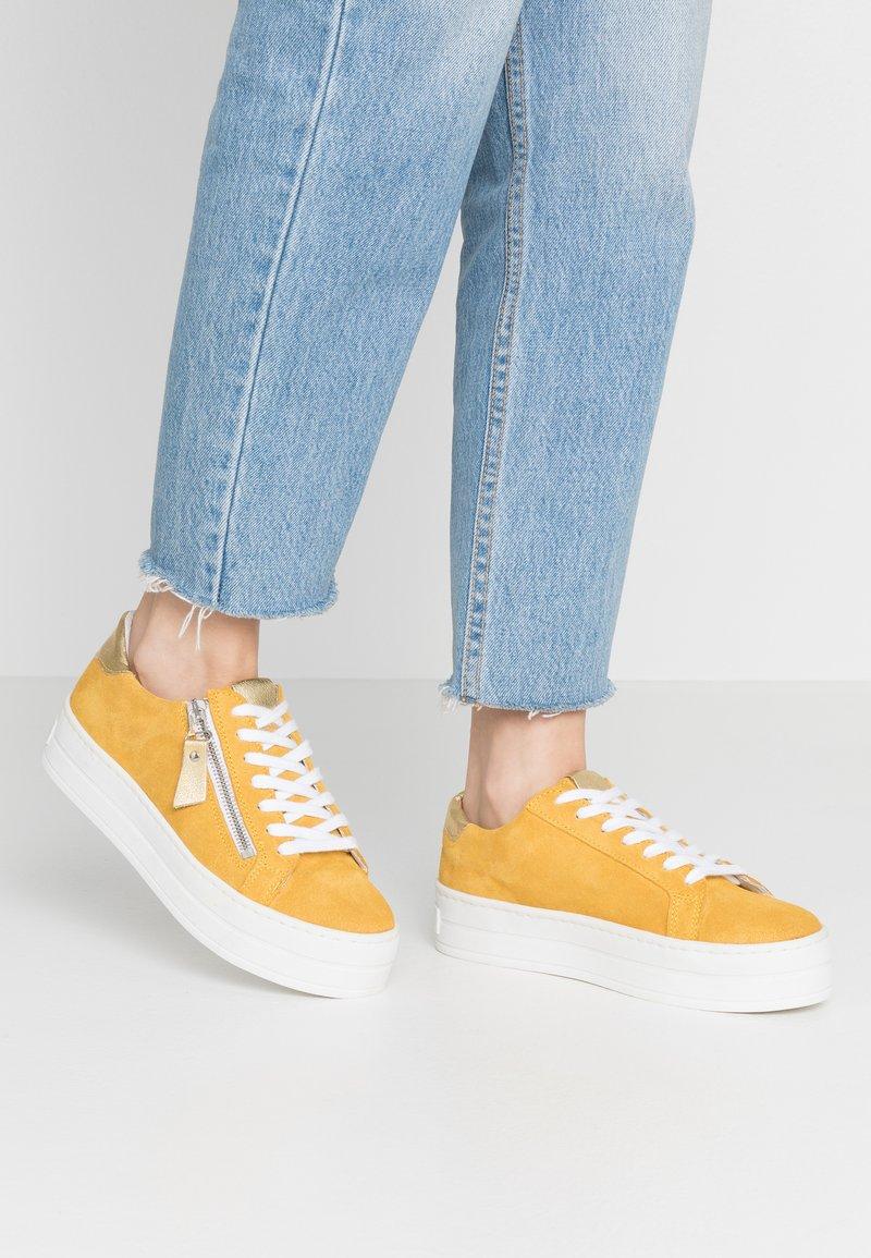 Steven New York by SPM - POMME - Sneakersy niskie - yellow