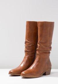 SPM - WRINKLESAM - Boots - cognac - 4