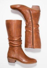 SPM - WRINKLESAM - Boots - cognac - 3