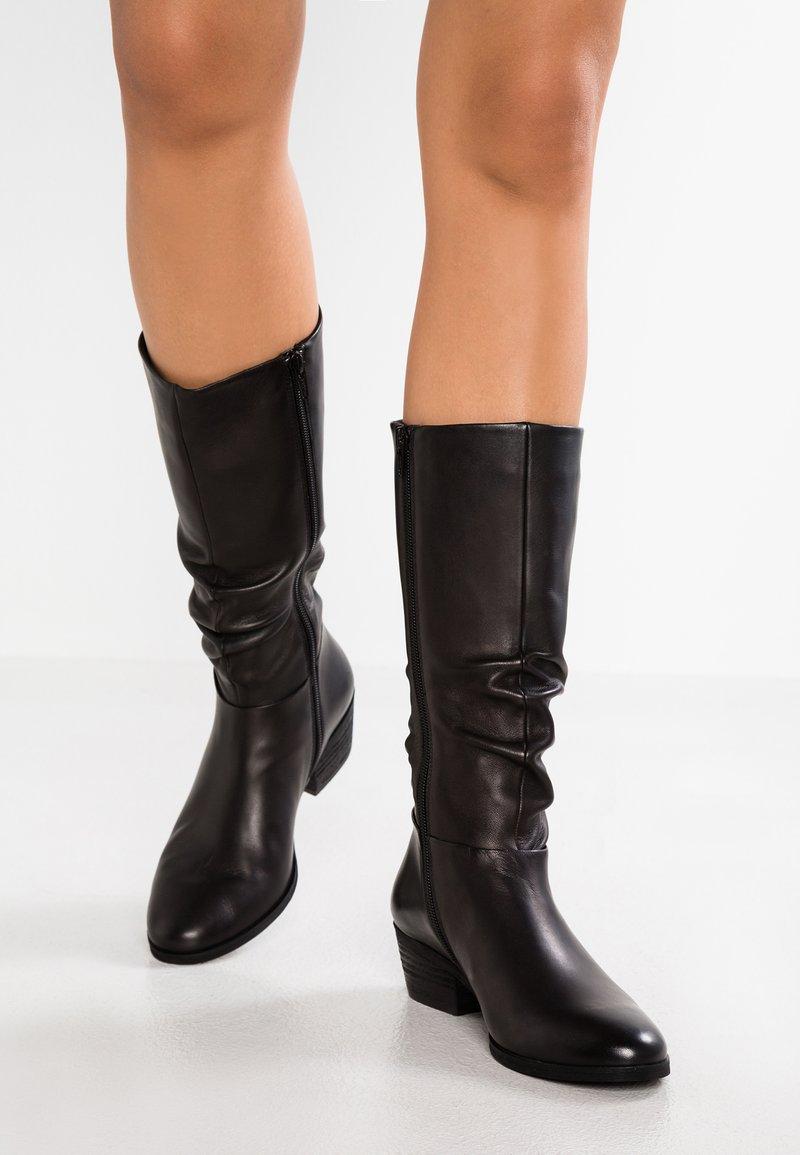 SPM - WRINKLESAM - Boots - black
