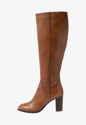 JULIO - Vysoká obuv - brown