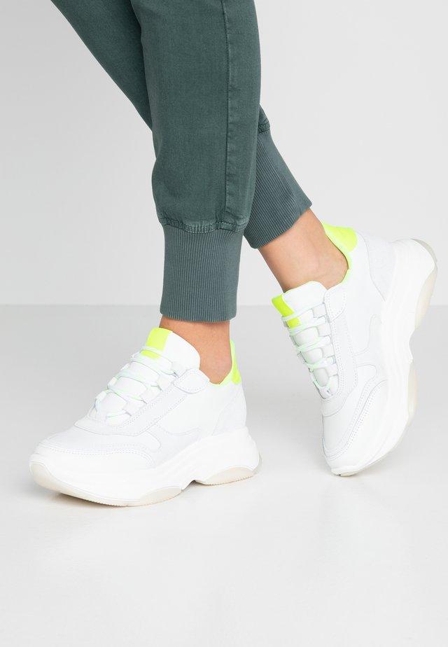 KATRIE - Sneakers - white/yellow