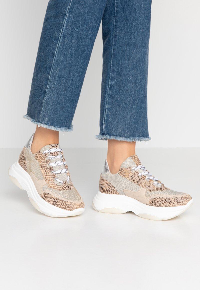 SPM - KATRIE - Sneaker low - silver
