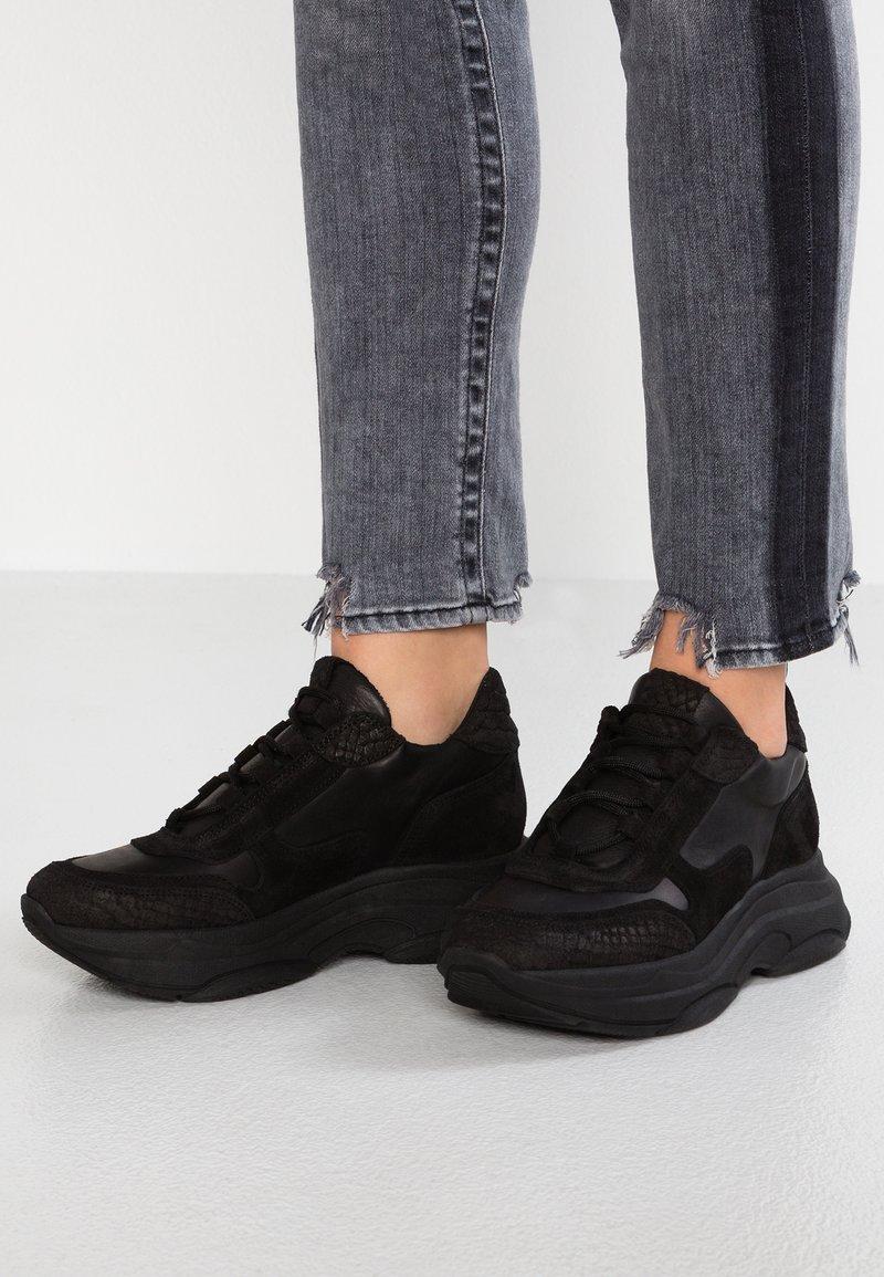 SPM - KATRIE - Zapatillas - black