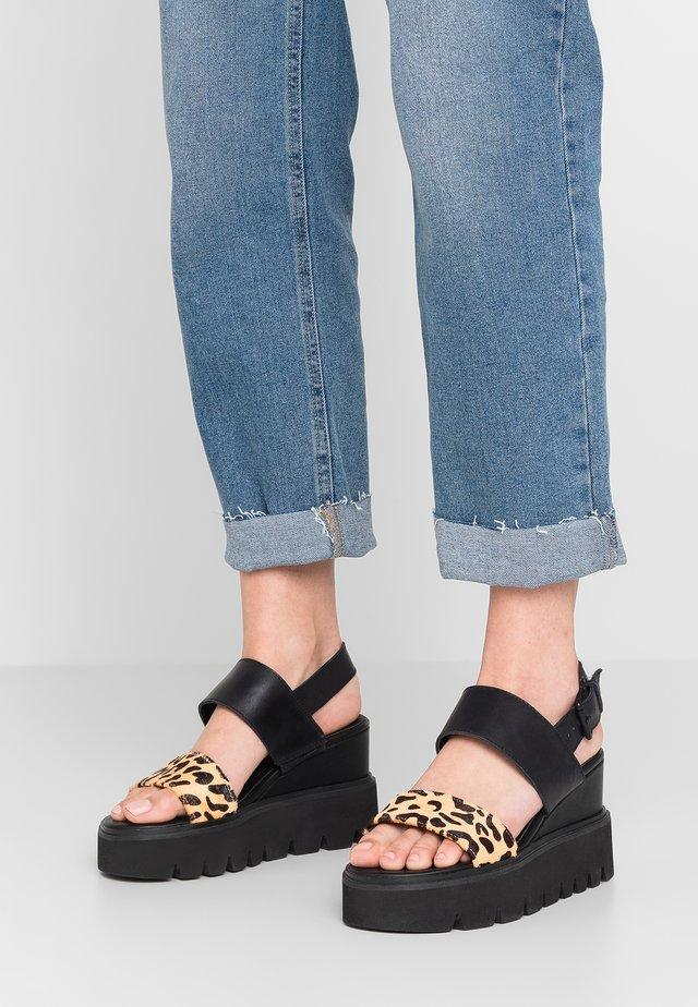 YOTRON - Korolliset sandaalit - black