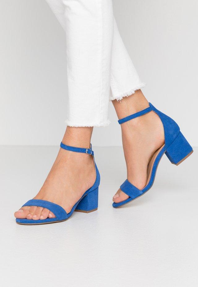 LUISA - Sandały - blue