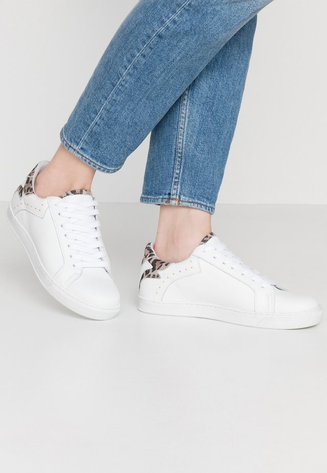 SAVAGE - Sneakers laag - white