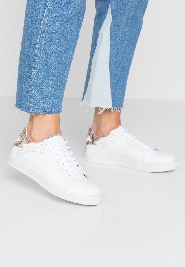SAVAGE - Sneakers - white