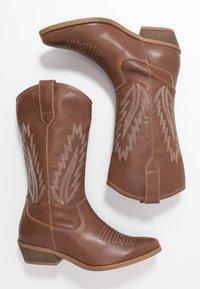 Steven New York by SPM - INSTA FEATHER - Cowboy/Biker boots - cognac brown - 3