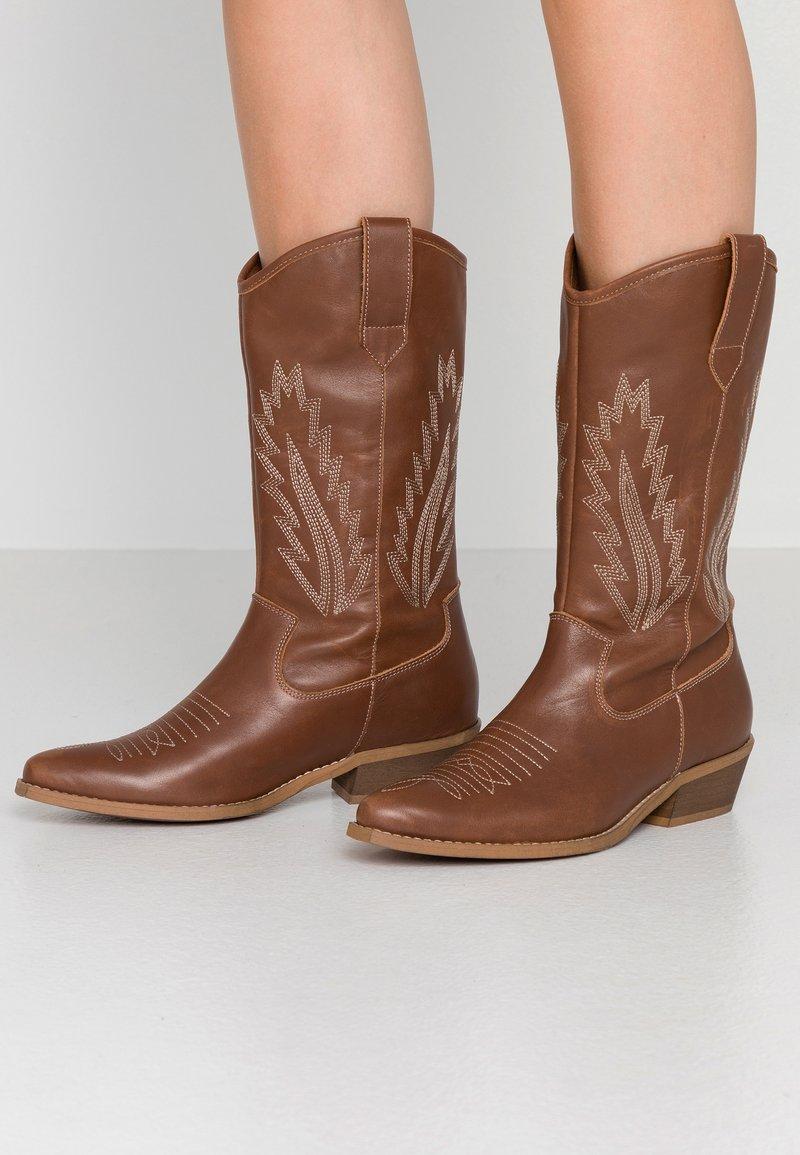 Steven New York by SPM - INSTA FEATHER - Cowboy/Biker boots - cognac brown