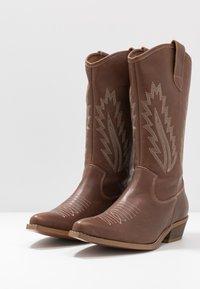 Steven New York by SPM - INSTA FEATHER - Cowboy/Biker boots - cognac brown - 4
