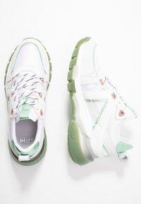 Steven New York by SPM - RUNSTER - Trainers - white/green - 3