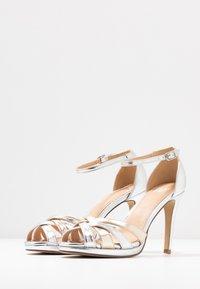 Steven New York by SPM - CACY - High Heel Sandalette - silver/gold - 4