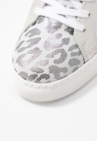 Steven New York by SPM - SAVAX - Trainers - white - 2