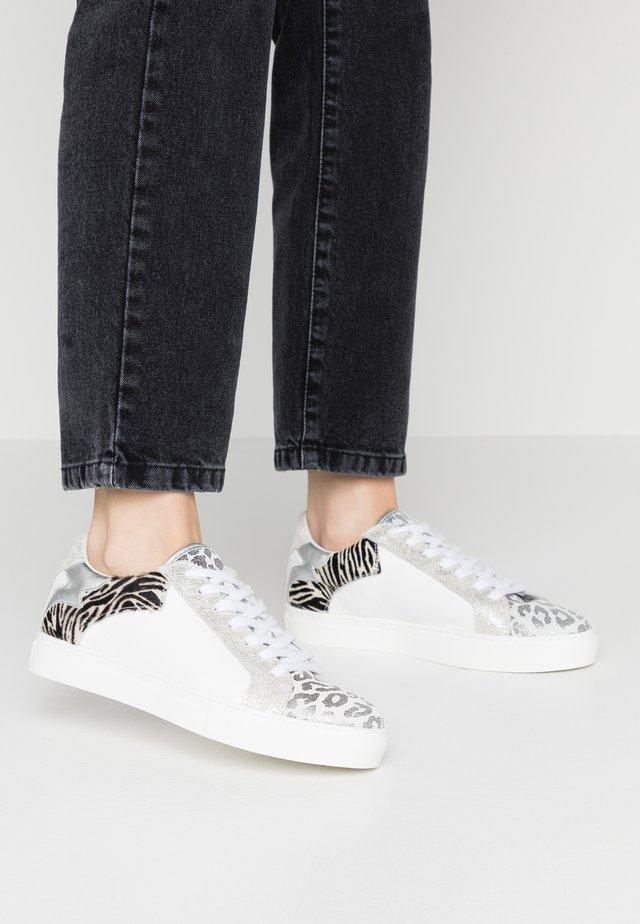 SAVAX - Sneakers - white